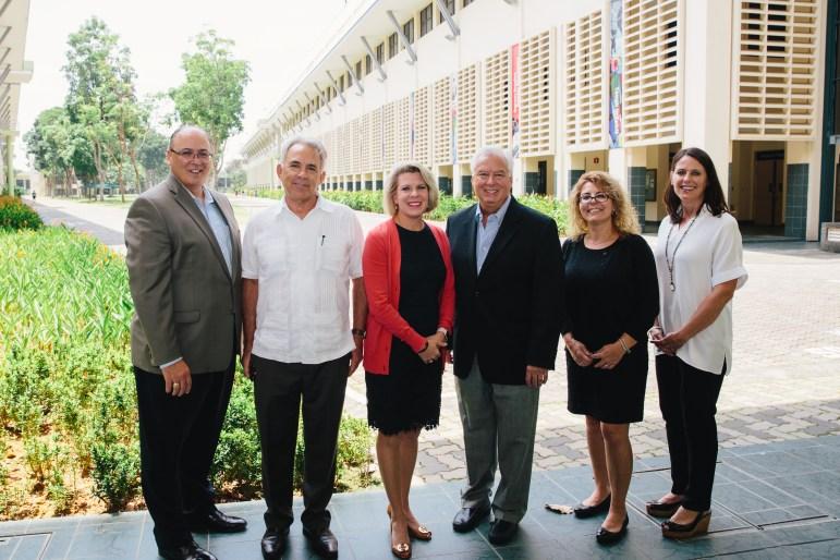 San Antonio delegates: IBC's Eddie Aldrete; Robert Rivard; H-E-B's Kate Rogers, Toyota's David Crouch; UTSA's Margo DelliCarpini; and former DoSeum's Vanessa Lacoss Hurd.