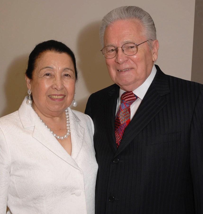Austin philanthropists Teresa Lozano and Joe Long announced a $25 million gift to UT Health San Antonio.