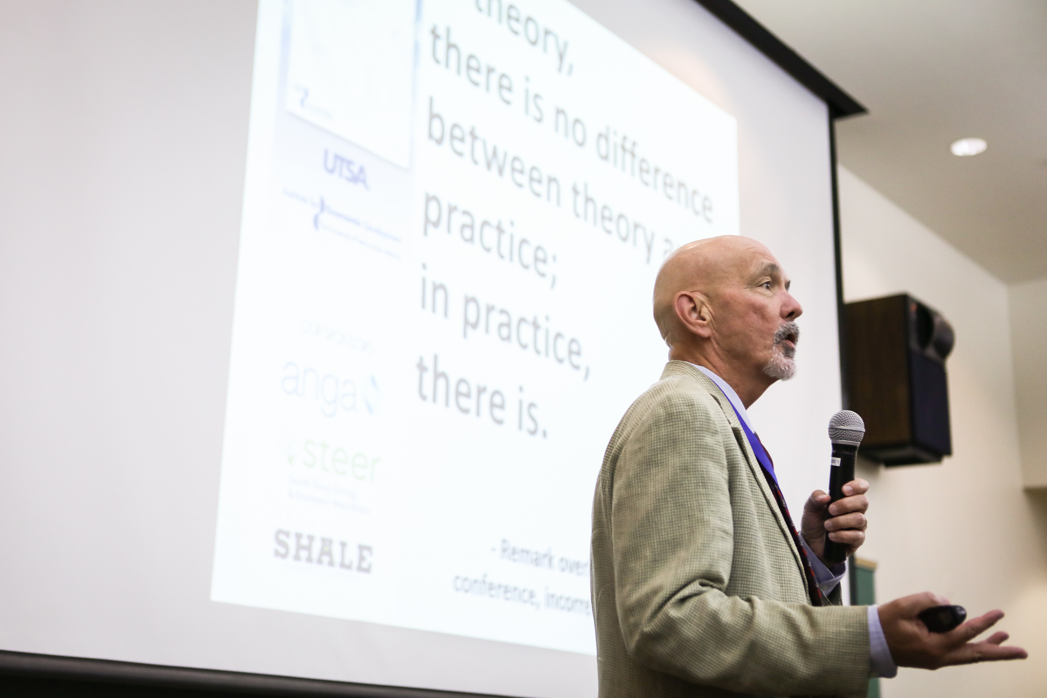 UTSA Institute for Economic Development Senior Research Director Thomas Tunstall speaks at the 6th Annual Eagle Ford Shale Consortium Conference.