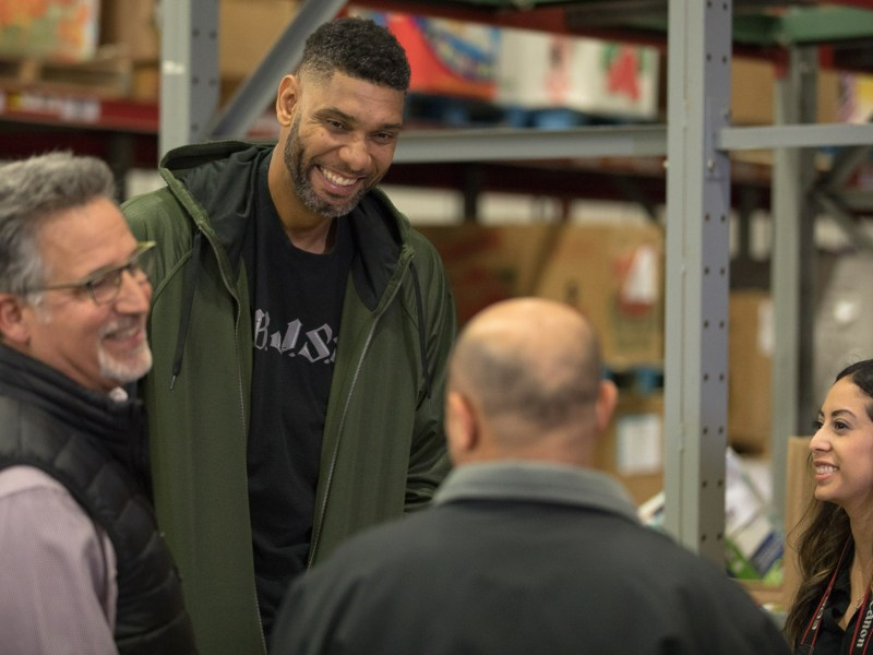 Tim Duncan and San Antonio Food Bank work together to bring the Tim Duncan '2:1' Holiday Challenge to those in need.