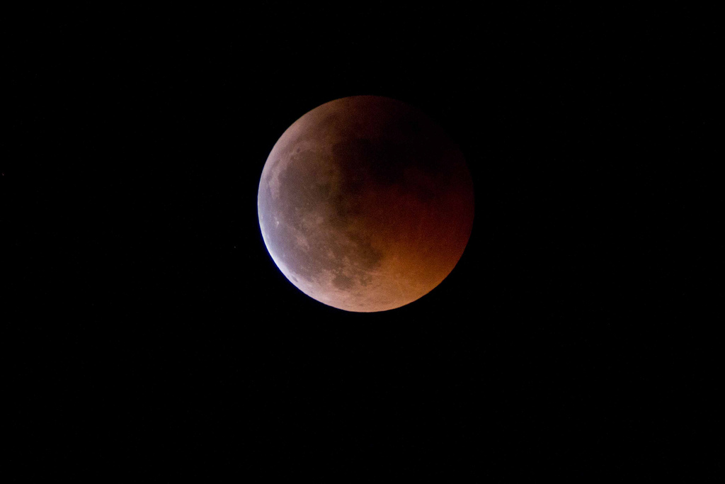 If conditions allow, San Antonian's will have a chance to wake up to a super blue blood moon on Wednesday morning.