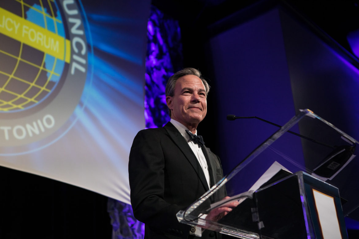 Texas House Speaker Joe Straus (R-San Antonio) thanks the crowd after receiving the International Citizen of the Year Award.