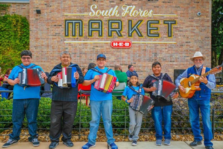 Conjunto Heritage Taller students perform at a Veterans Day event at HEB South Flores Market in November 2017.