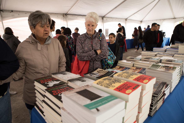A crowd fills the Barnes & Noble tent at the 6th annual San Antonio Book Festival