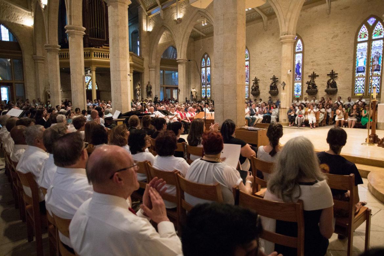Hundreds gather for mass in San Fernando Cathedral before La Procesión de San Antonio.