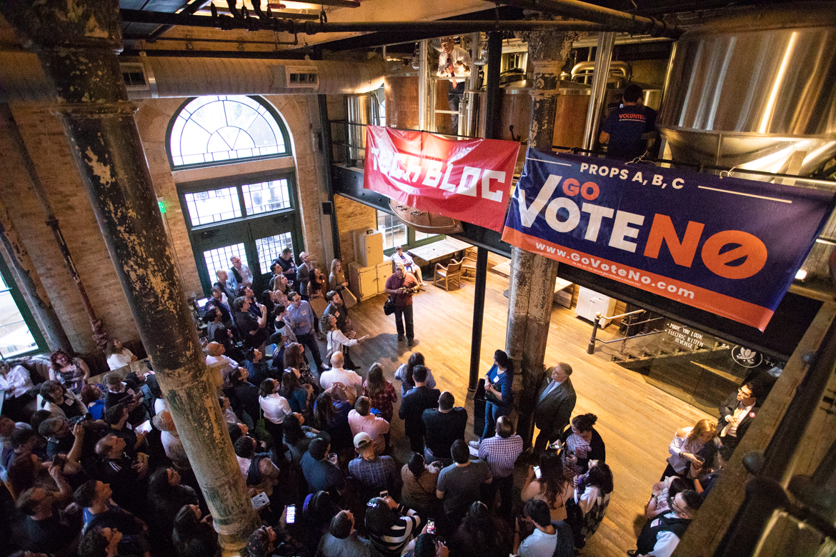 """Mayor Ron Nirenberg speaks to full room about why everyone should go vote """"no."""""""