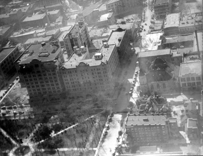 An aerial view of Travis Park (bottom left) circa 1918.