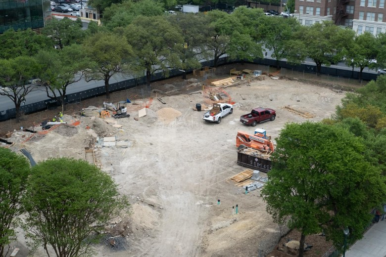 The adjacent green space to Frost Tower will feature restaurants and retail facilities.