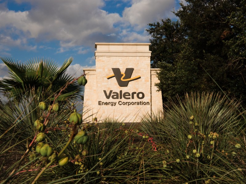 Valero Energy Corporation sign off 1604 on June 21, 2019.