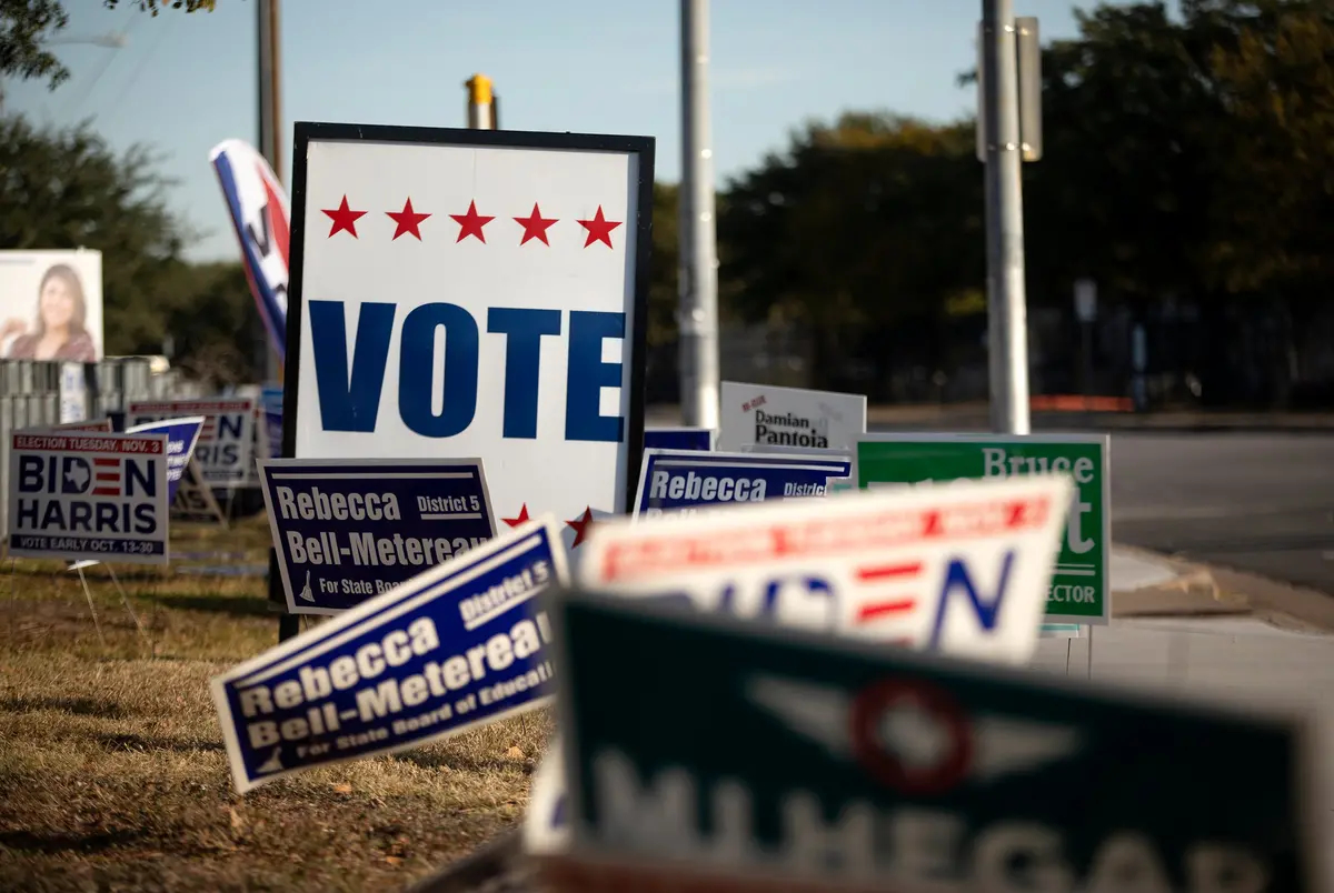 Voting signs at Dan Ruiz Branch Library in Austin on Election Day 2020.
