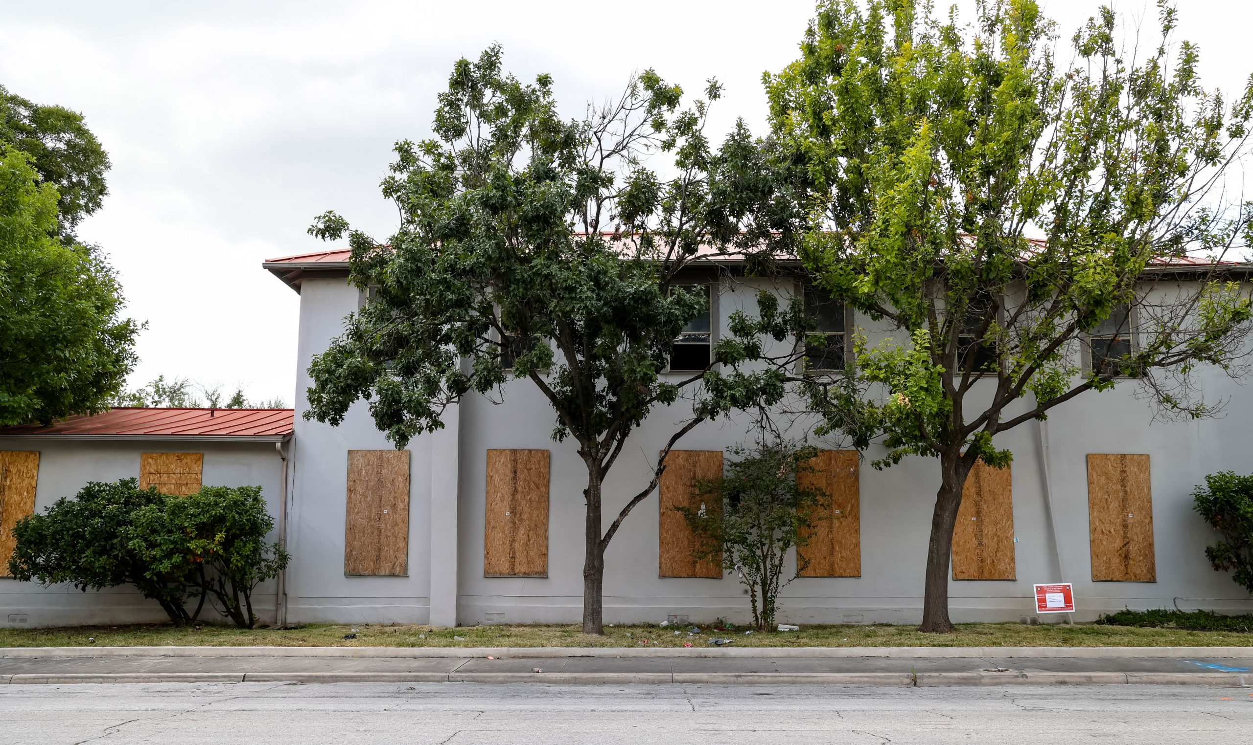 Century-old former brothel and orphanage, 'remnant of Laredito' takes first step toward historic status