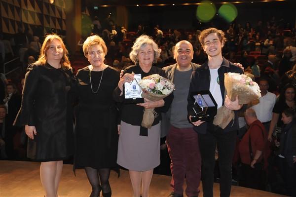 """Nevra Serezli'ye YEKÜV'den """"Onur Ödülü"""""""