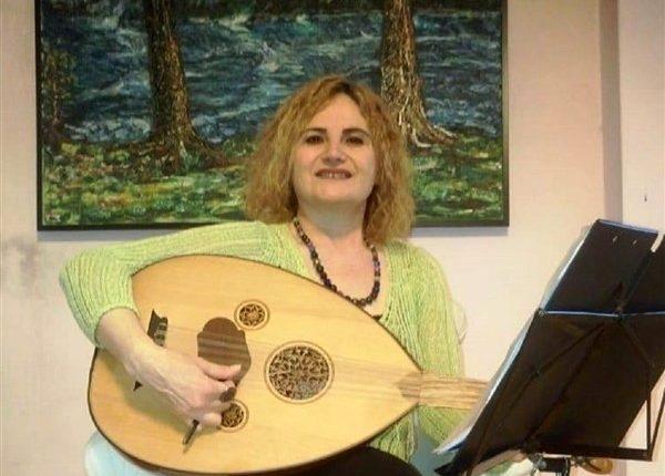 Fatma Akyüz Güher, evde sanatla terapi yapıyor