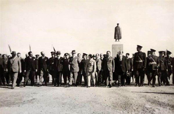 Atatürk Adana'da…