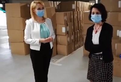 Medicii de familie din Bucureşti, donaţie de 120.000 halate de unică folosinţă şi 200.000 perechi de mănuşi