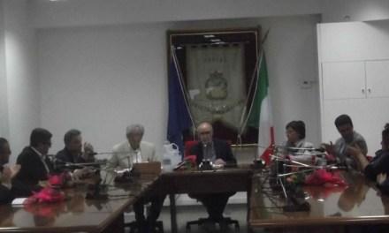 Il consiglio revoca la gestione associata per la pubblica illuminazione e ritocca il Puc