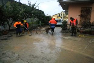 A spalare e a soccorrere la popolazione anche i volontari della Misericordia di San Bartolomeo in Galdo