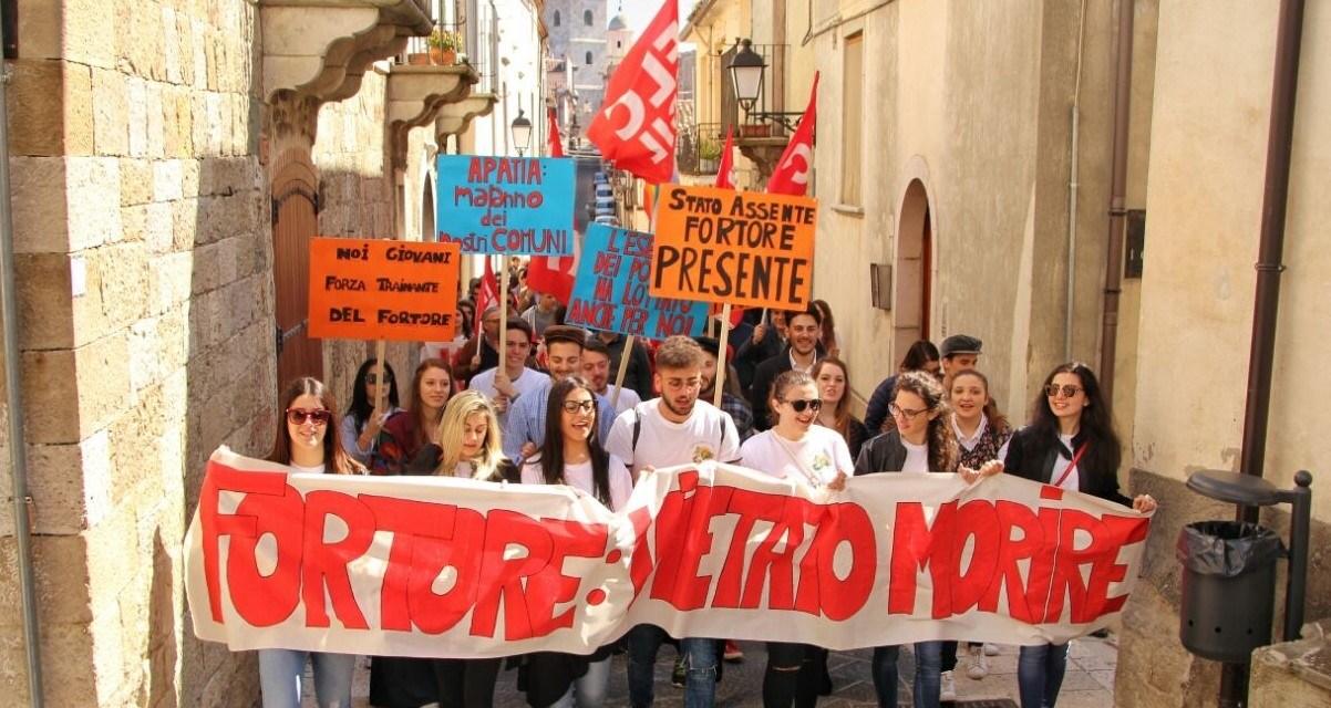 """""""Fortore: Vietato Morire"""": il manifesto in difesa della scuola"""