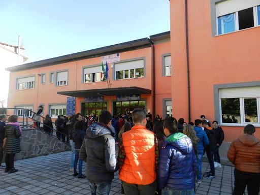 """Didattica a distanza: Liceo Scientifico """"E. Medi"""" finanziato con euro 9417,00"""
