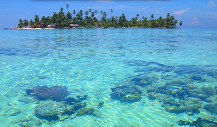 Isla Diablo in the Cayos Limones