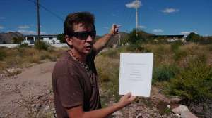 Juan Carlos Gonzales points out some deficient infrastructure in Ranchitos