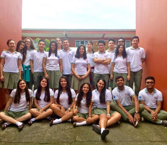 Primera generación egresada en el Liceo San Carlos