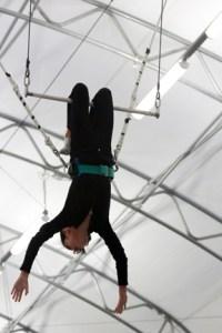 FT class knee hang