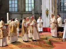 2017.04.30.-Priesterweihe-P.-Florian-und-P.Philemon-23-von-39