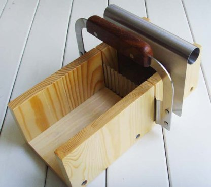 Soap Cutter-Adjustable Wood Soap Mold Loaf Cutter Set With Wave Cutter / stainless steel flat knife