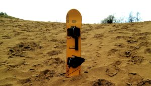 Components of a sand board – what are sandboards made of?