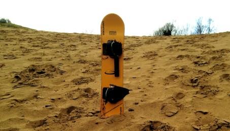 Sandboarding board