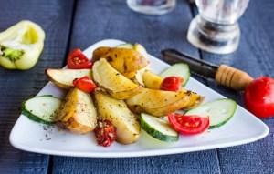 Картофель, запеченный в чесночном масле