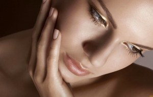 Как красиво накрасить губы правила макияжа. Этапы макияжа губ, делаем контуры. Правила подбора помады