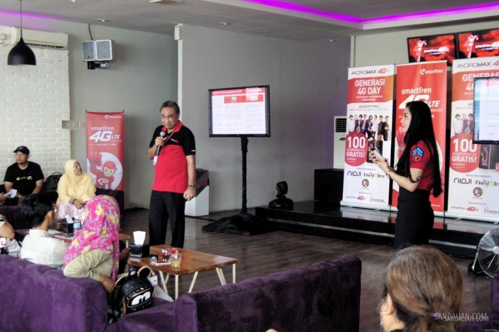 Presentasi pada acara Media Update Generasi4G Day