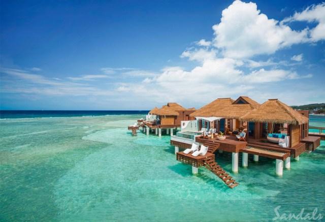 Villa lune de miel sur pilotis avec piscine privée au Sandals Royal Caribbean à Montego Bay en Jamaïque