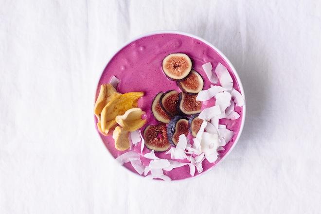 dragon-fruit-smoothie-bowl