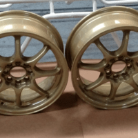 gold-metalic-wheels