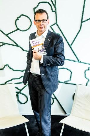 Wouter Beke voorzitter CD&V poseert voor een portret net na het uitkomen van zijn boek Het Moedige Midden. ©sanderdewilde.com Brussel 20 Juni 2013