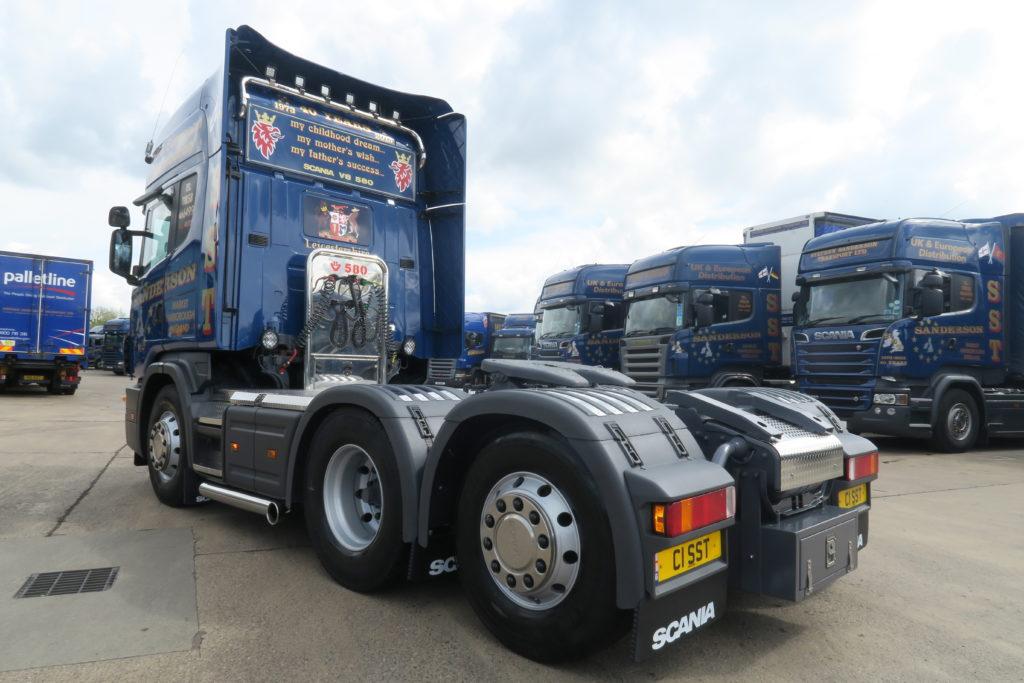 Scania 164 V8 580