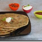 Gobi Paratha ( Indian Stuffed Cauliflower Flatbread )