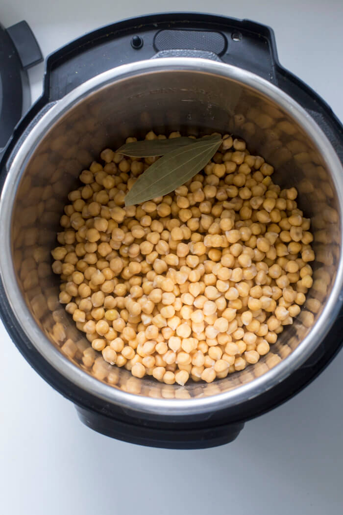 HOW TO COOK CHICKPEAS IN PRESSURE COOKER