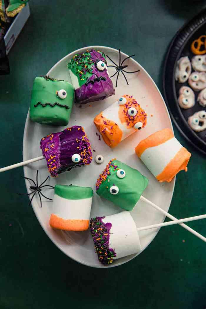 Vegan Halloween monster marshmallow pops
