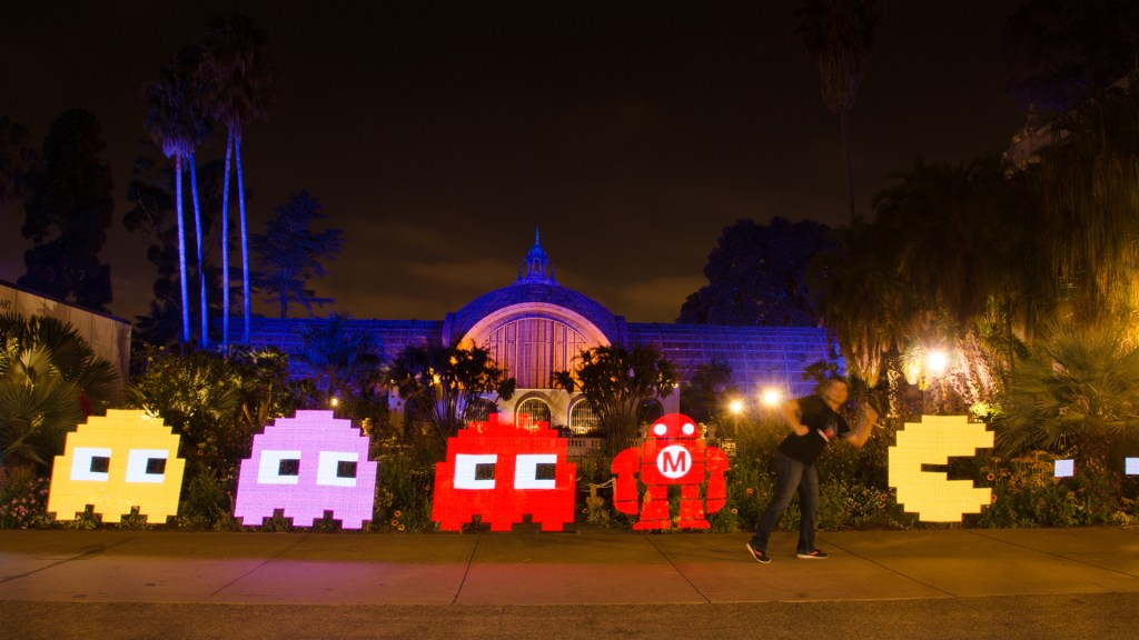 Meet the Maker: Light Painting Botanical Building Balboa Park at Night Volunteer