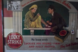 Navarra store Lucky Strike sign