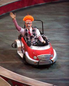 happy clown car