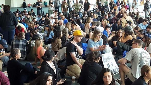 Big Crowd waiting Bernie