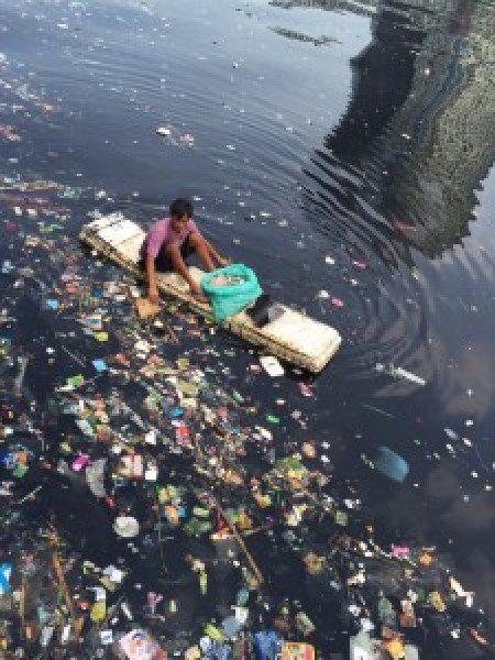In 2010, 275 million metric tons of plastic waste entered the ocean. (image: Doug Woodring/Ocean Recovery Alliance)