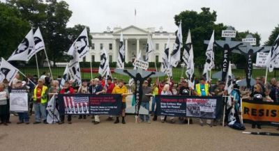 Veterans for Peace demonstrating in front of White House