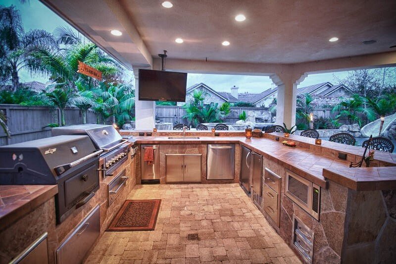 OUTDOOR KITCHEN TRENDS | San Diego Pavers on Backyard Patio Grill Island id=36310