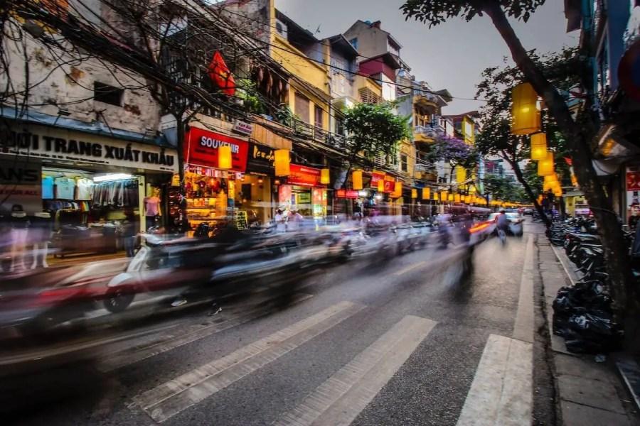 هناك مخاطر للقيادة في شوارع ماليزيا
